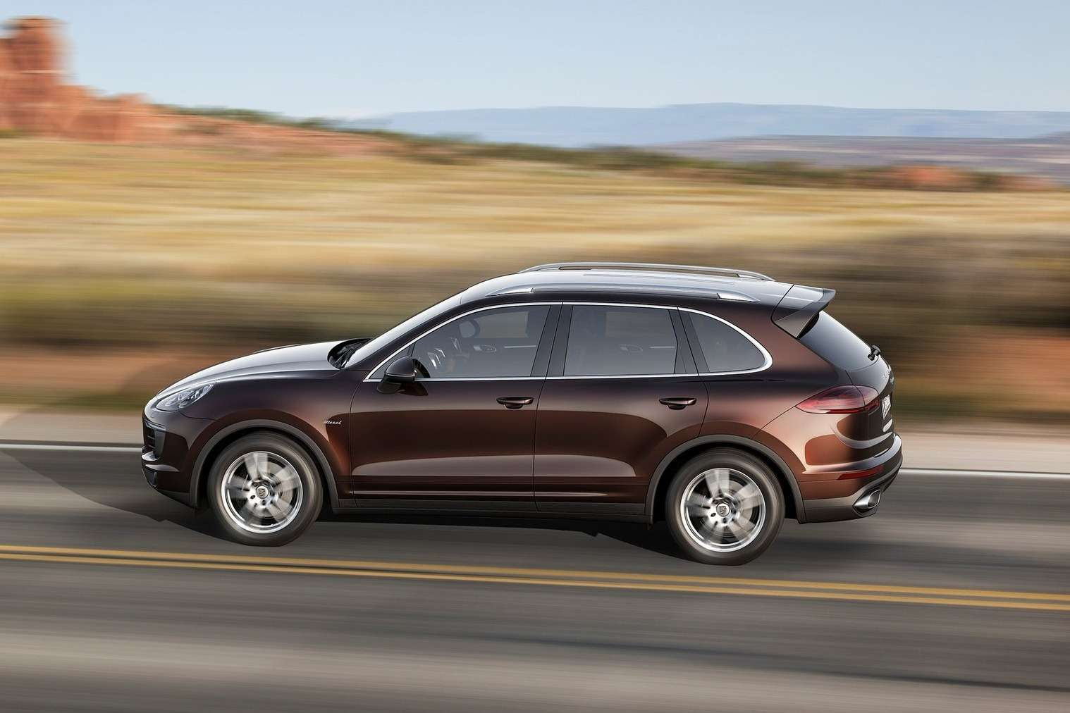 Porsche-Cayenne_2015_1600x1200_wallpaper_05