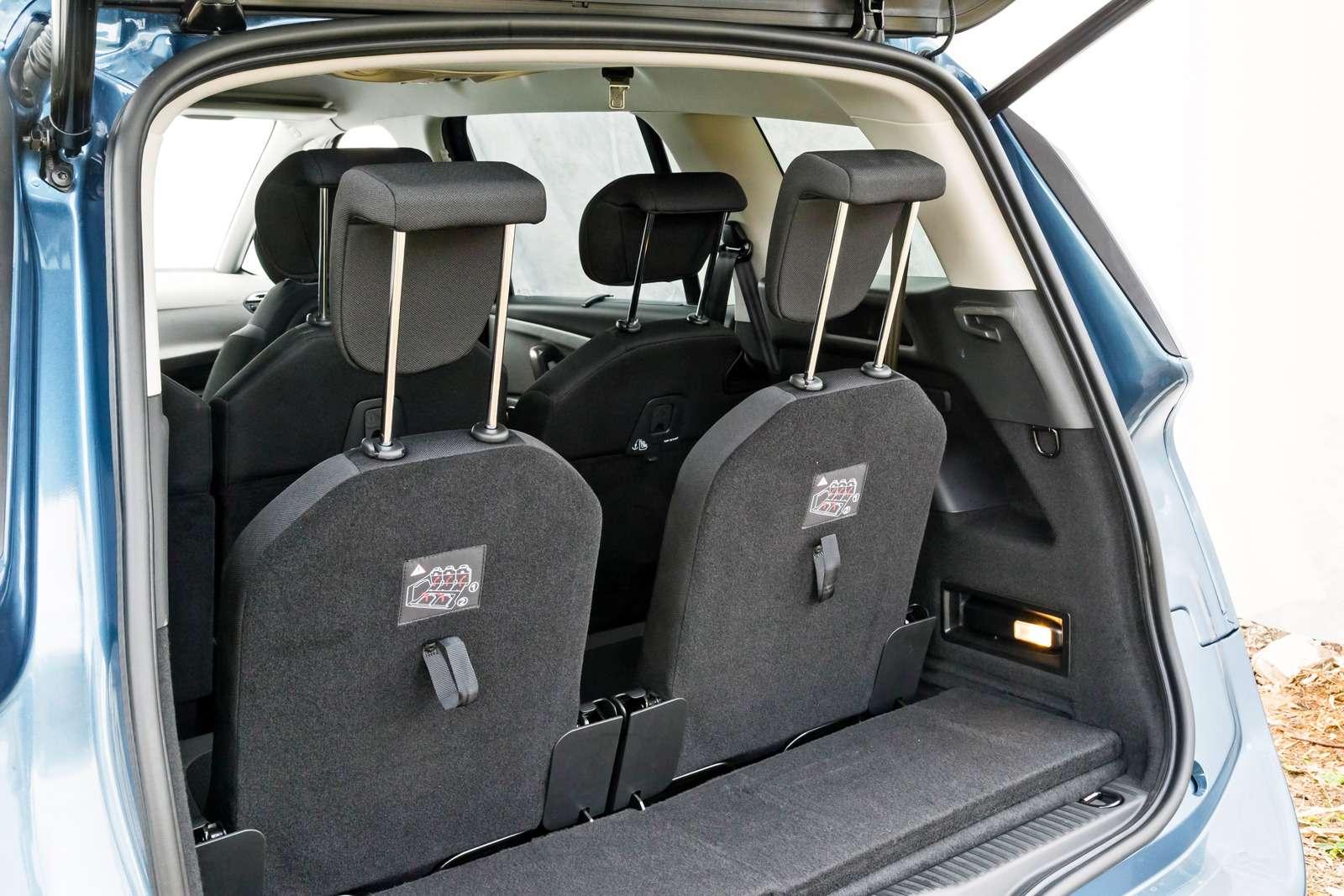 Изящество или практичность? Citroen Grand C4Picasso против VWCaddy Maxi— фото 599135