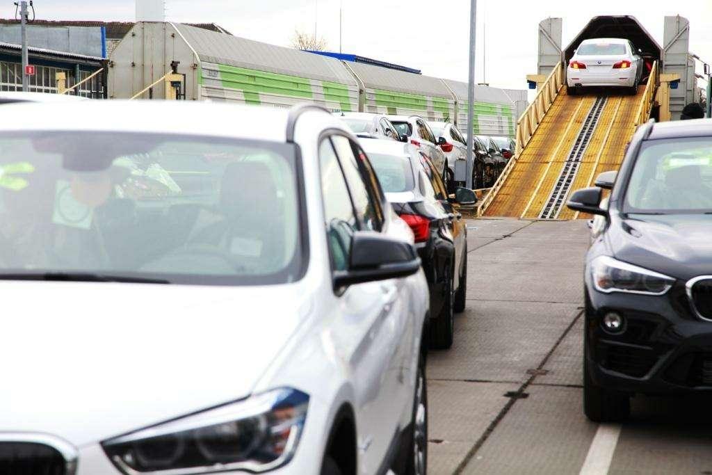 Наконвейер «Автотора» встал BMW X1— фото 667588