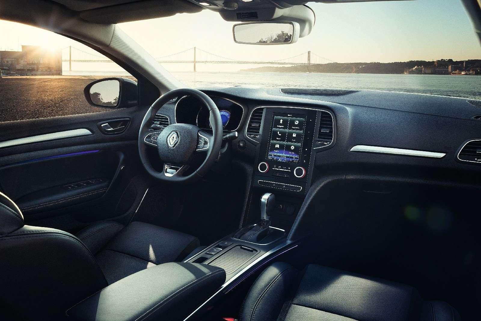 ИзТурции слюбовью: представлен новый седан Renault Megane— фото 607500