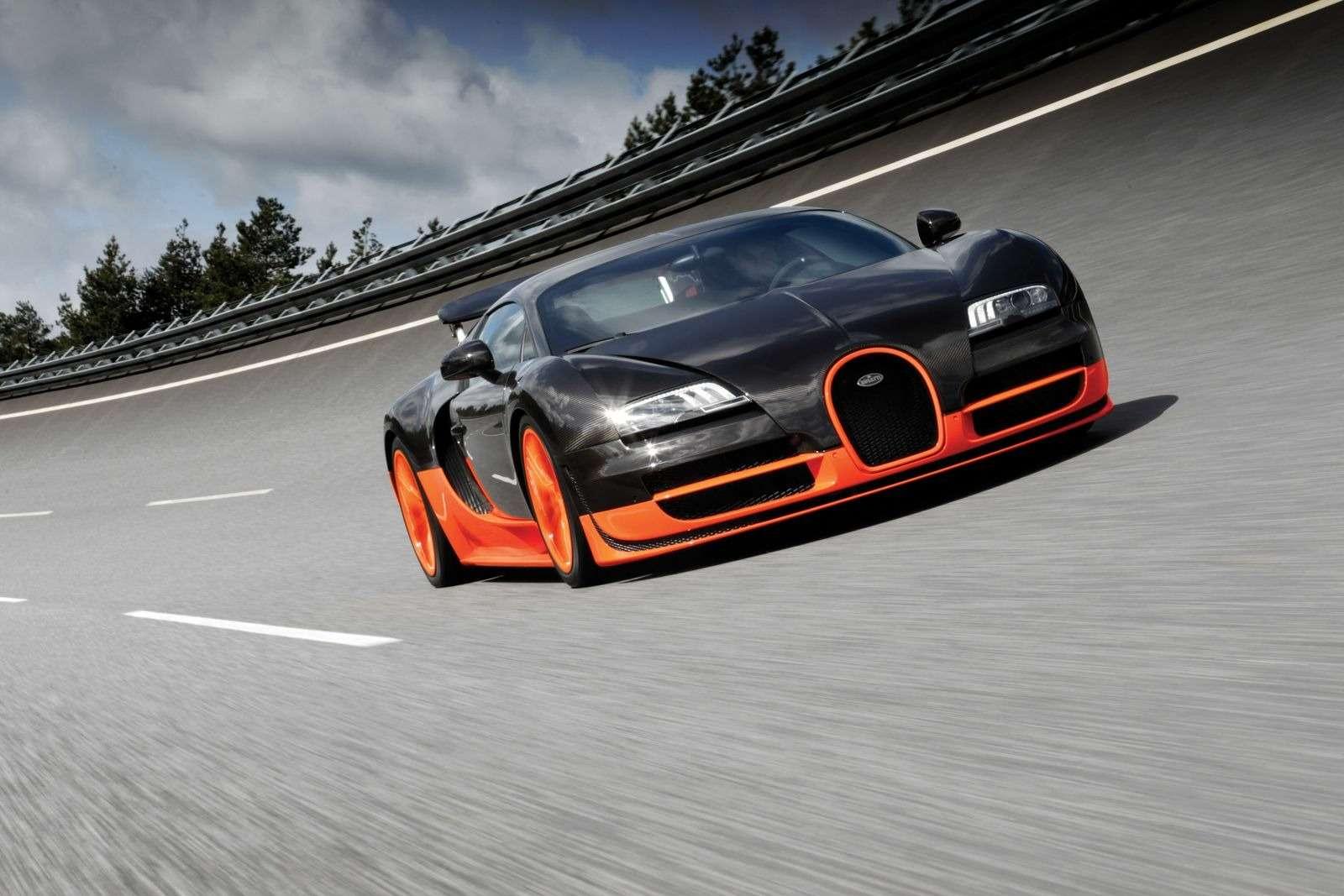 ОБНОВЛЕНО: владелец стилизовал Lada Granta подсуперкар Bugatti— фото 366432