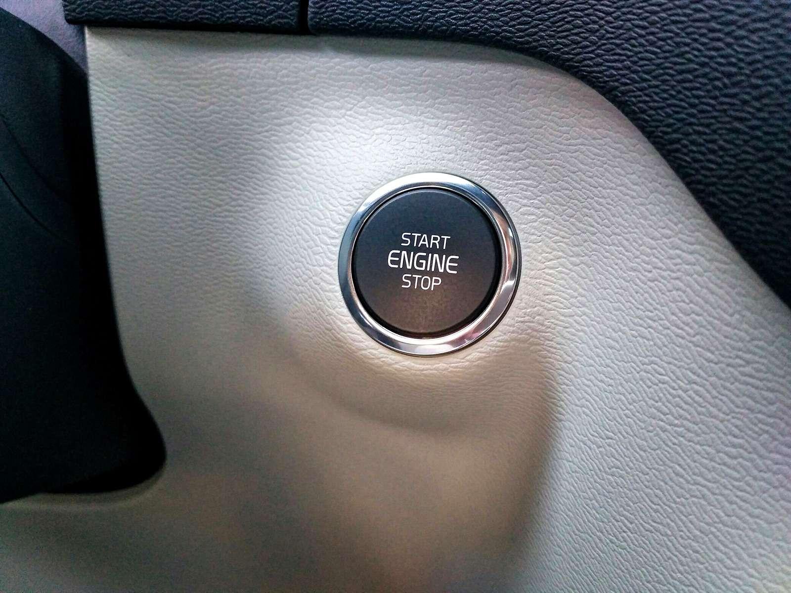 Volvo XC40: первый тест-драйв— фото 826715