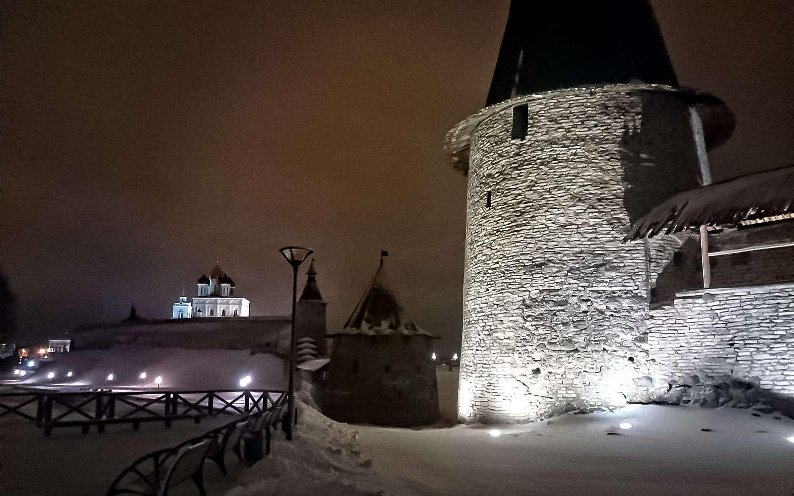 Башня Псковского крома