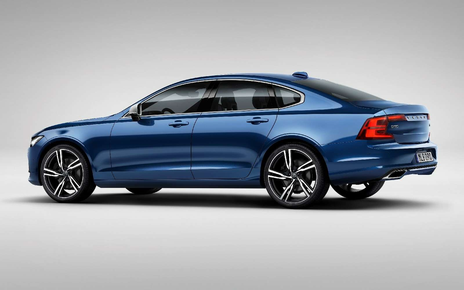 Volvo подготовила дляфлагманской модели спортпакет R-Design— фото 600920