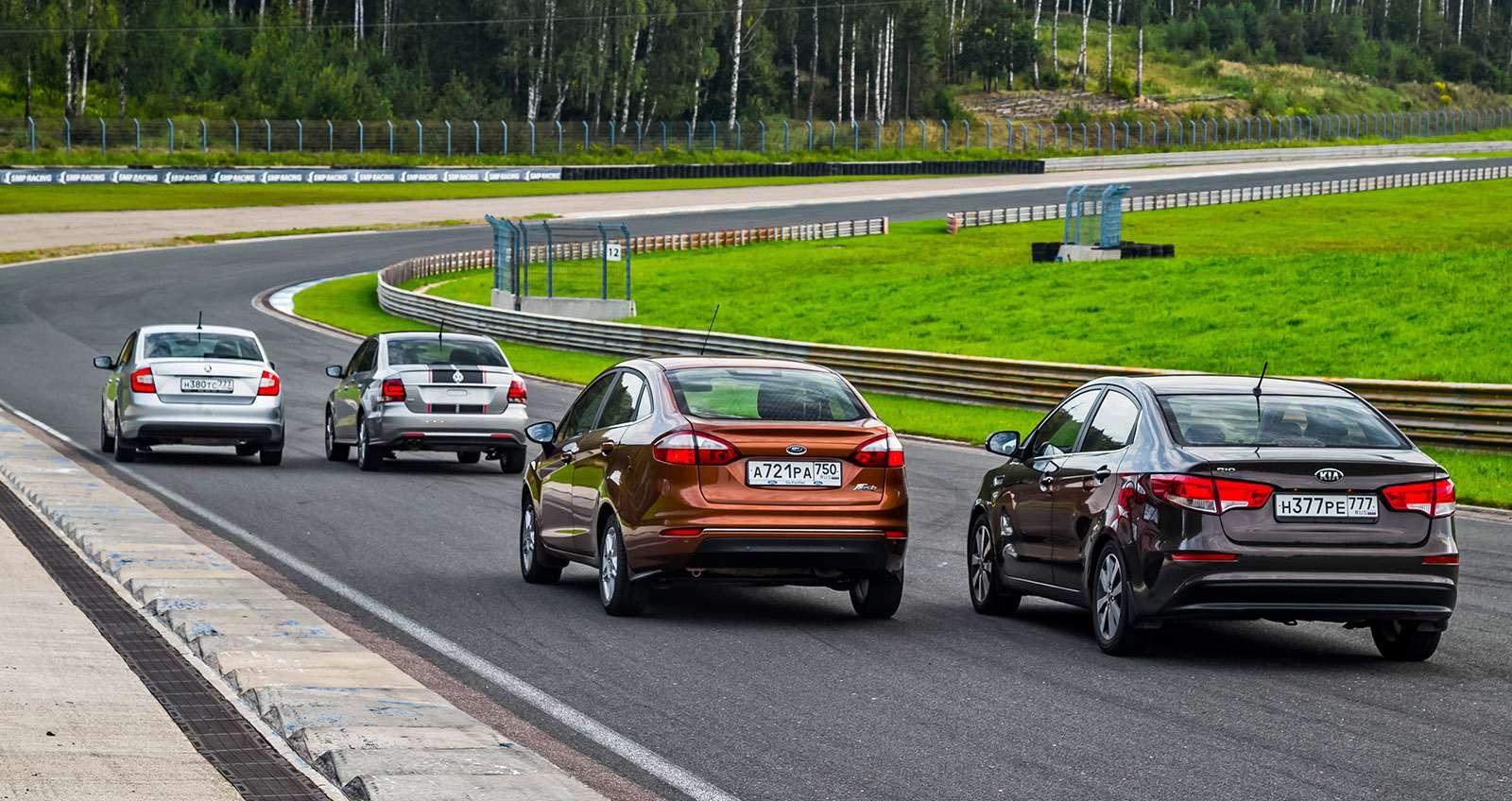 VWPolo GTпротив конкурентов: тест на«Смоленском кольце»— фото 644213