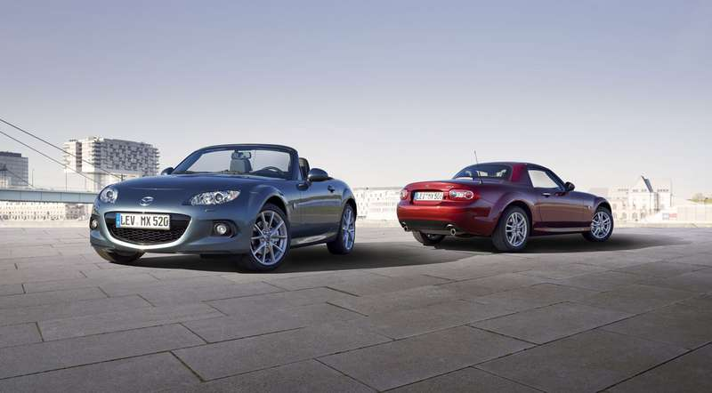 Mazda_MX-5_Facelift_2012_no_copyright