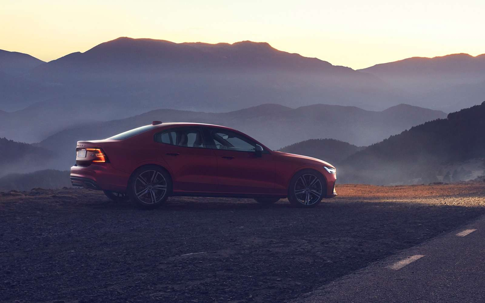 Новый Volvo S60: динамичный ироскошный. Ждем вРоссии!— фото 880611