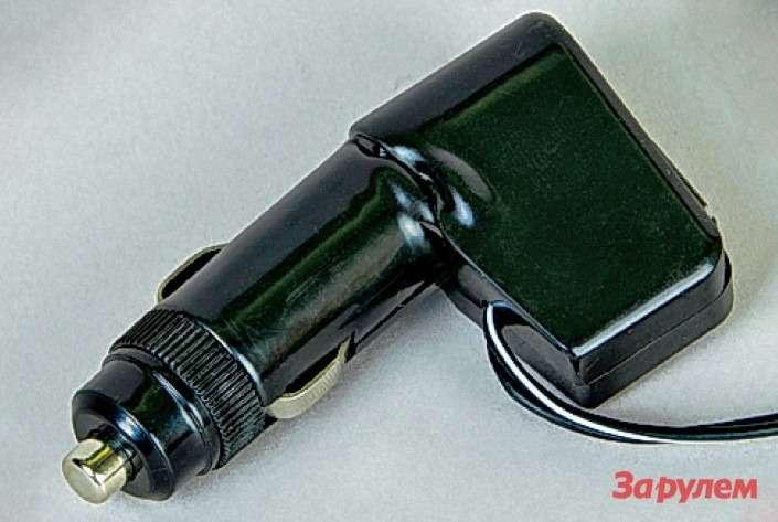 Штекер сгнездом USB китайского тройника Multisocket АС1216(цена 220 руб.) расплавился при 14А весьма наглядно. Предохранитель остался невредим!