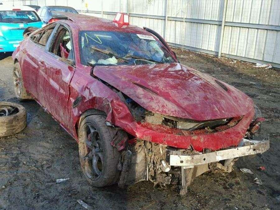 Жертва химатаки: останки Alfa Romeo Giulia ищут последнее пристанище— фото 734615