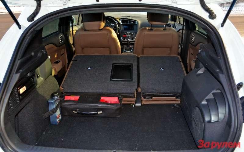 Багажник небольшой. Новряд ли DS4 будут использовать как грузовую машину.