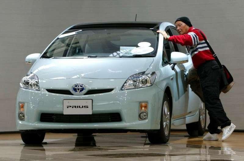 Toyota продала 3млн гибридов