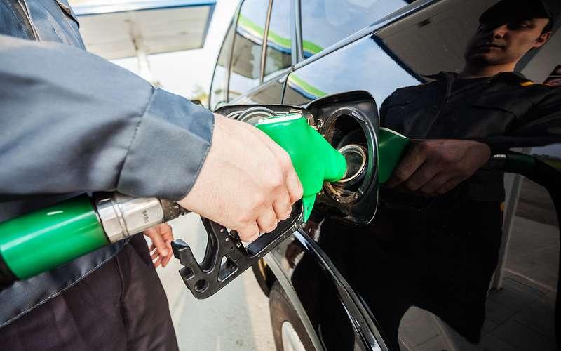 Заправил бензин вбак дизельного автомобиля— что будет ичто делать?