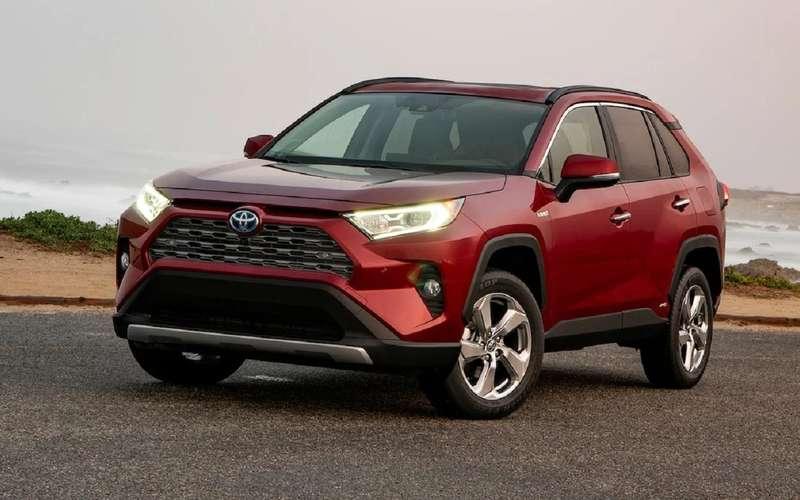 Toyota тоже подняла цены намашины вРоссии