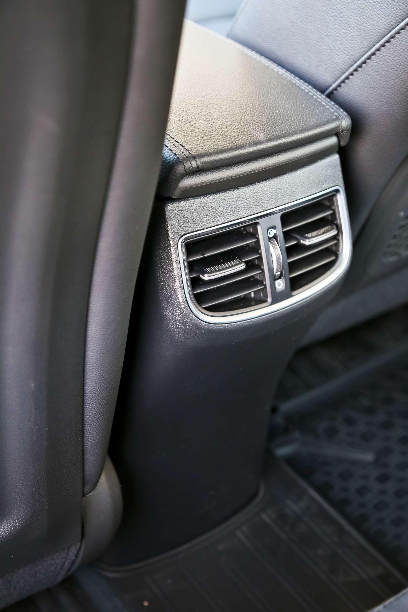 Новая Hyundai Elantra: тигрокот— фото 613273
