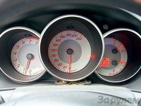 Комплектация Mazda 3: три пишем, пять вуме— фото 89692