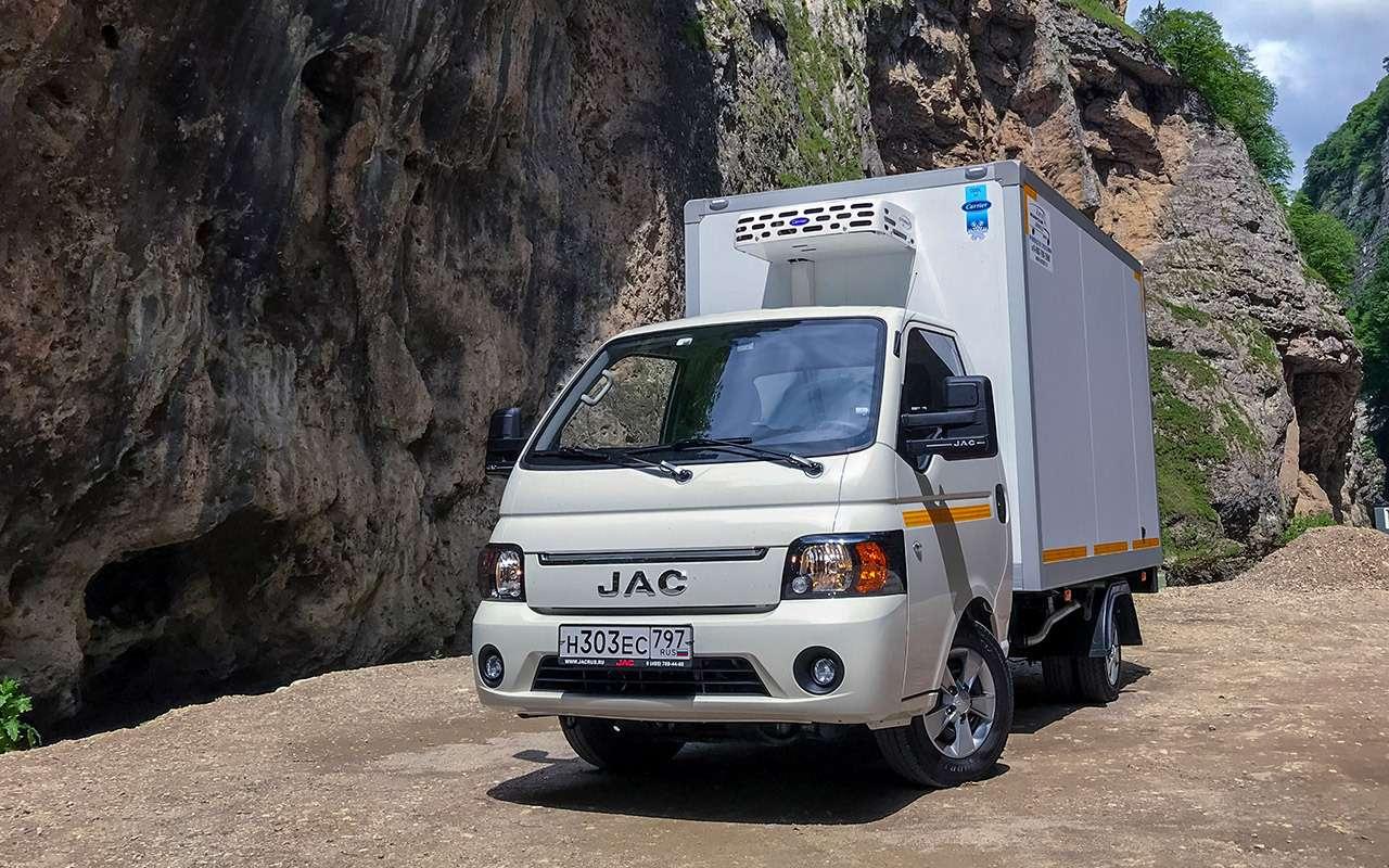 Новый китайский грузовик: сравнили его снашим Соболем— фото 1273571