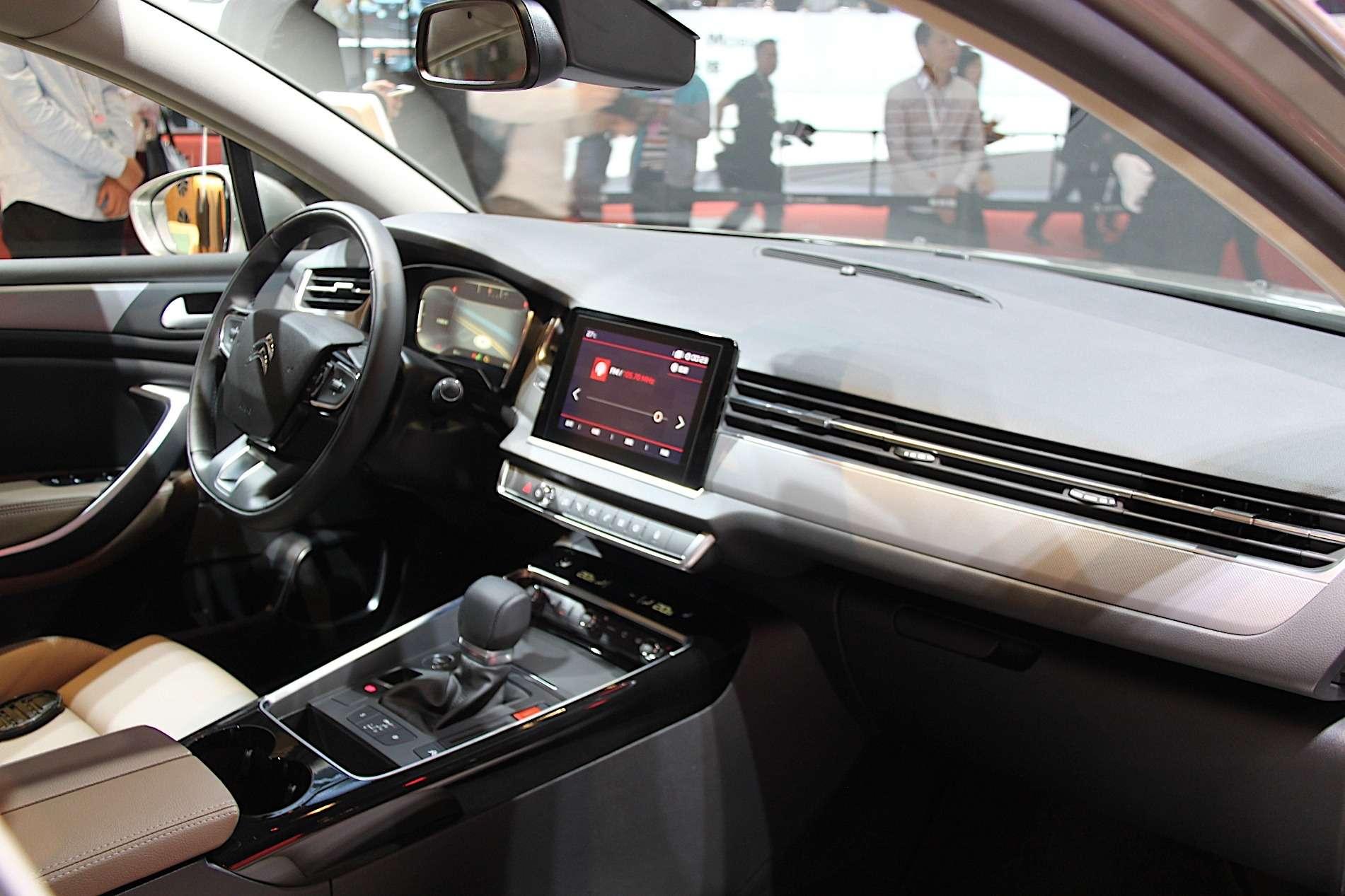 Новый Tiggo 5, будущая Camry идругие: онлайн-трансляция сШанхайского автосалона— фото 739129