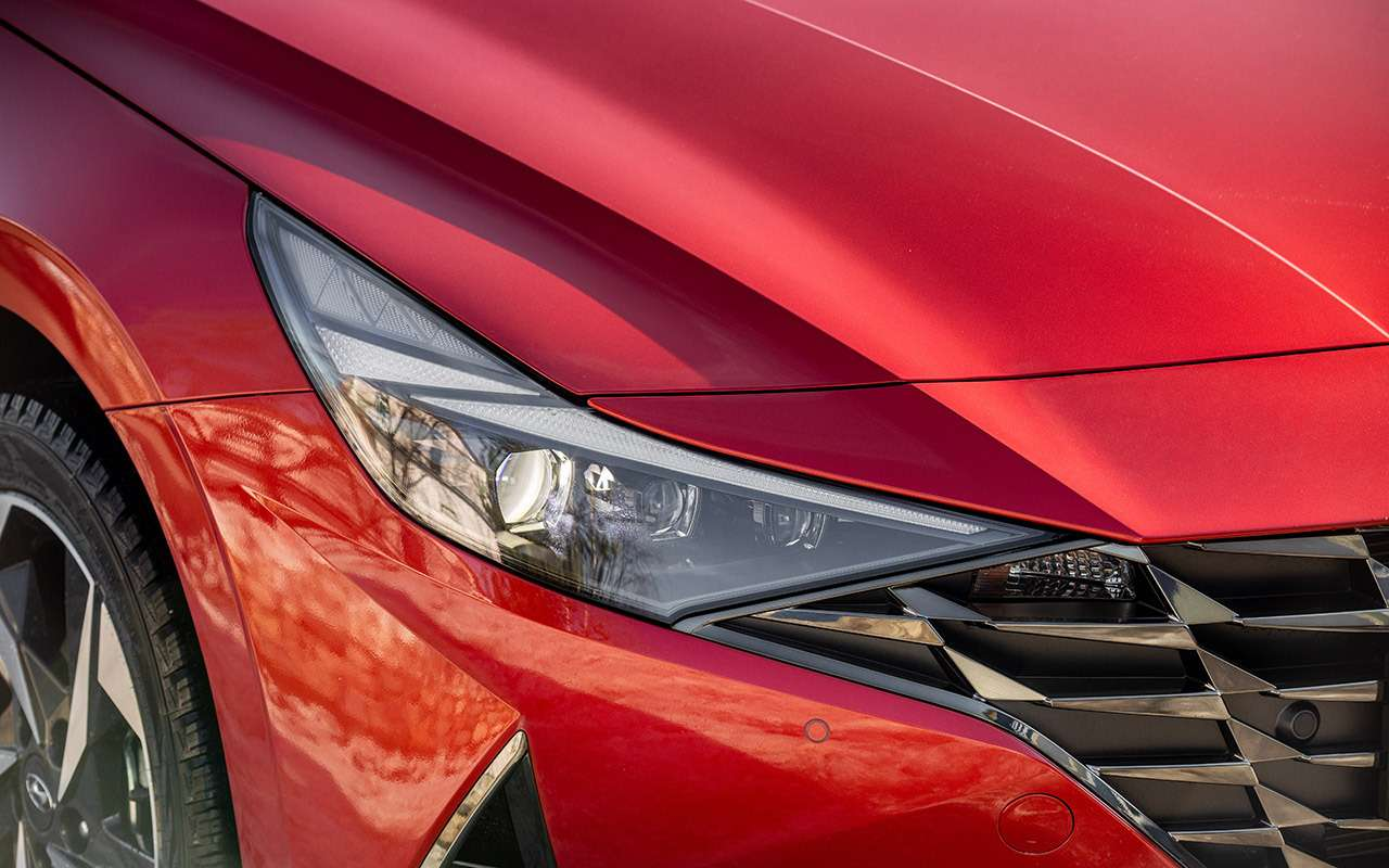 Новая Hyundai Elantra: 4плюса и2недостатка (зато цена хорошая)— фото 1236920