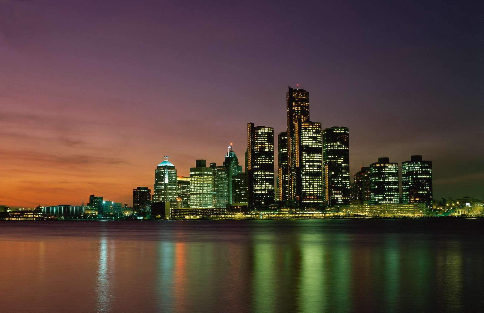 Ночная панорама Детройта