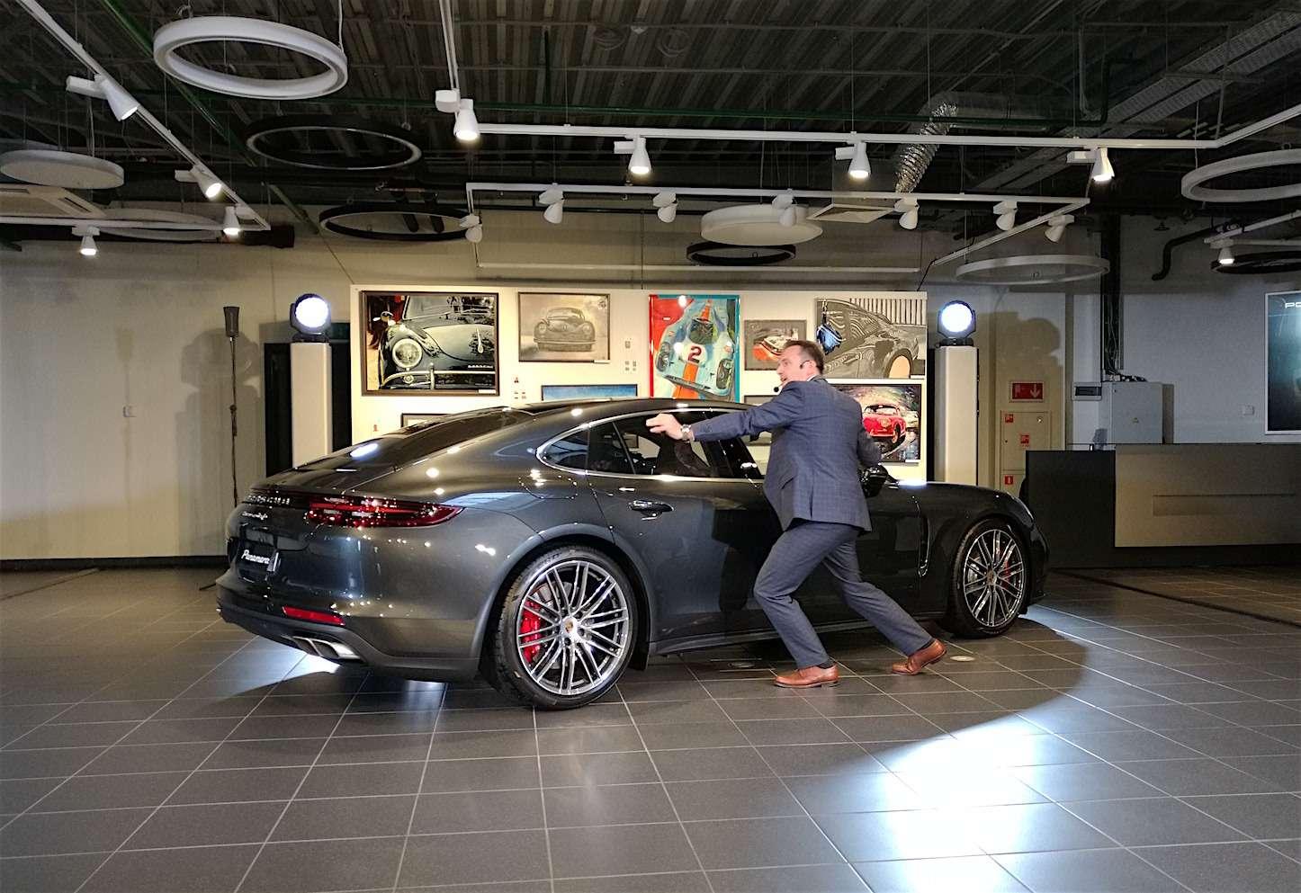 Новую Porsche Panamera показали российским СМИ— фото 630873