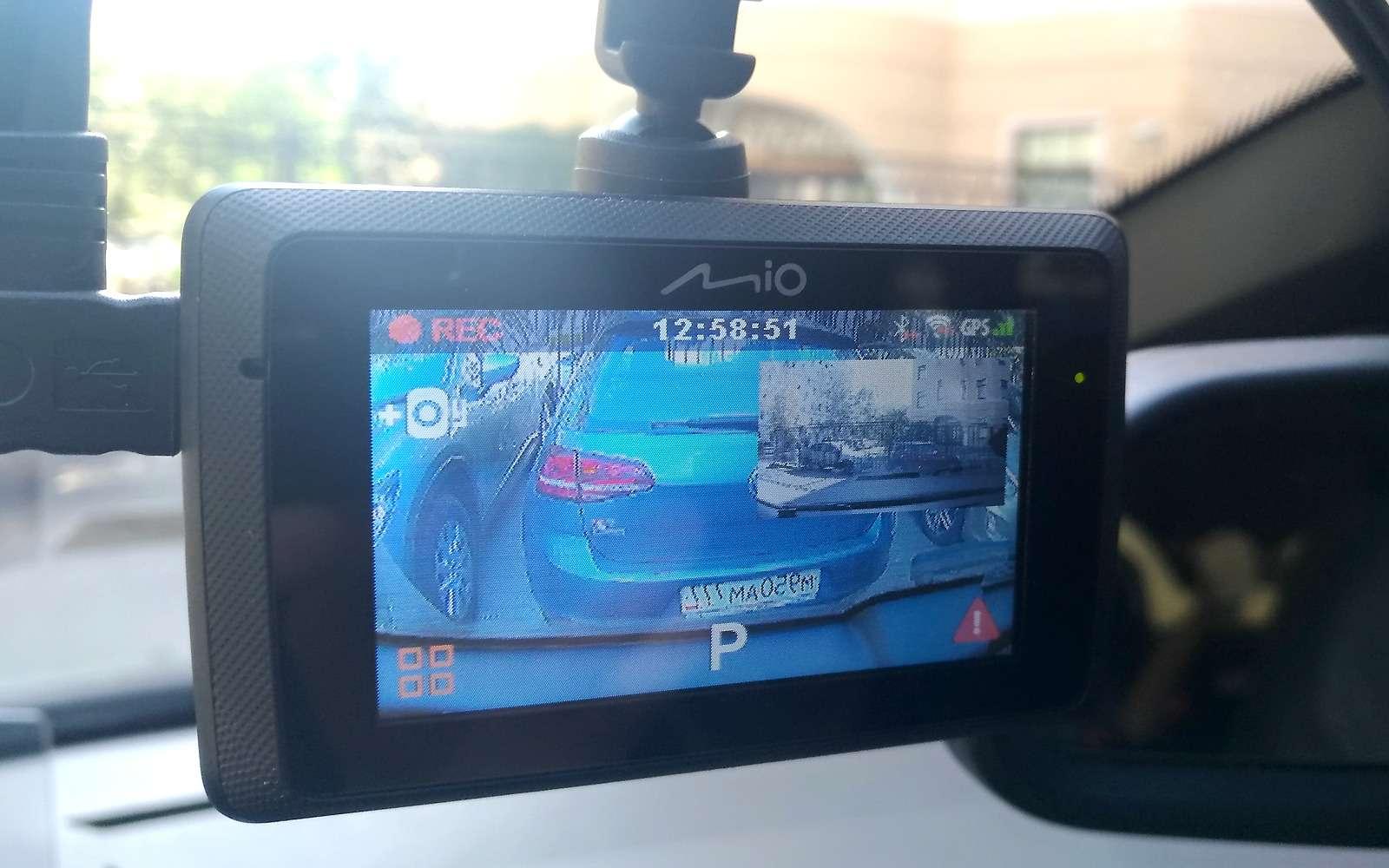 Видеорегистратор вместо камеры заднего вида— эксперимент ЗР— фото 904975