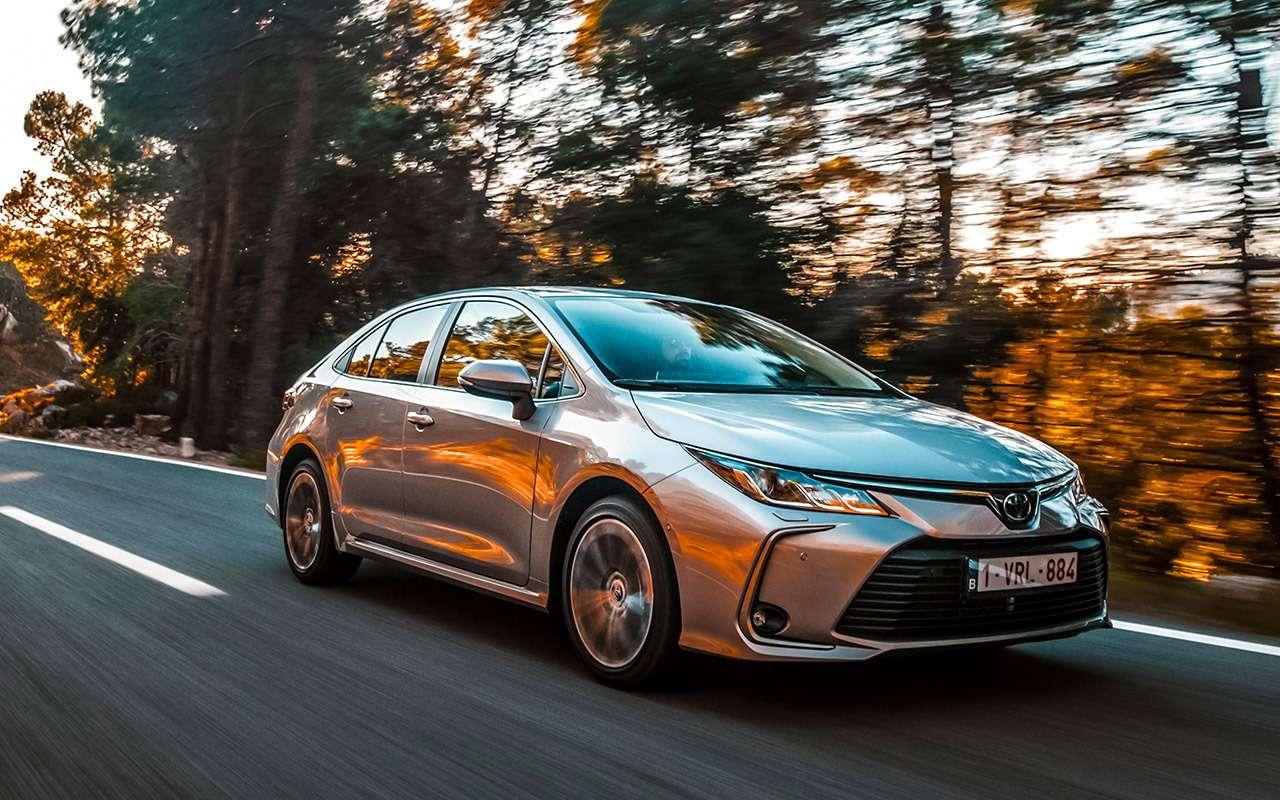 Новая Toyota Corolla: почти Camry (ипоцене тоже)— фото 963256