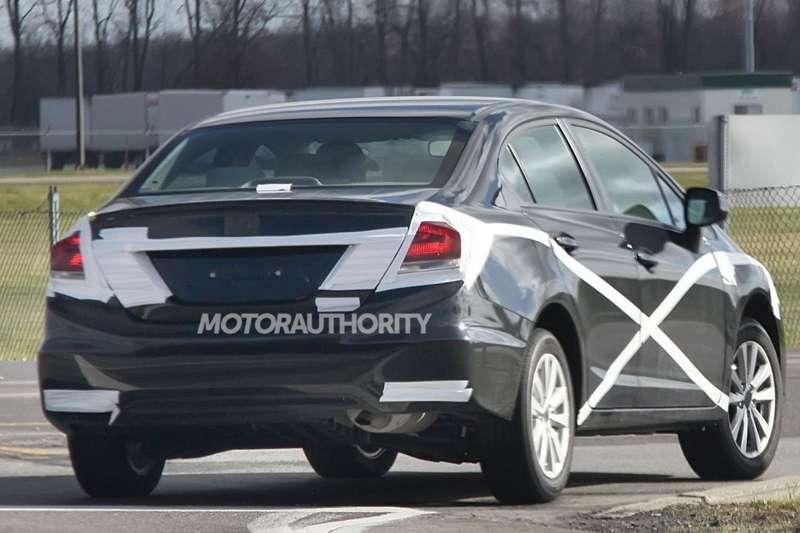 Facelifted Honda Civic sedan test prototype side-rear view_no_copyright
