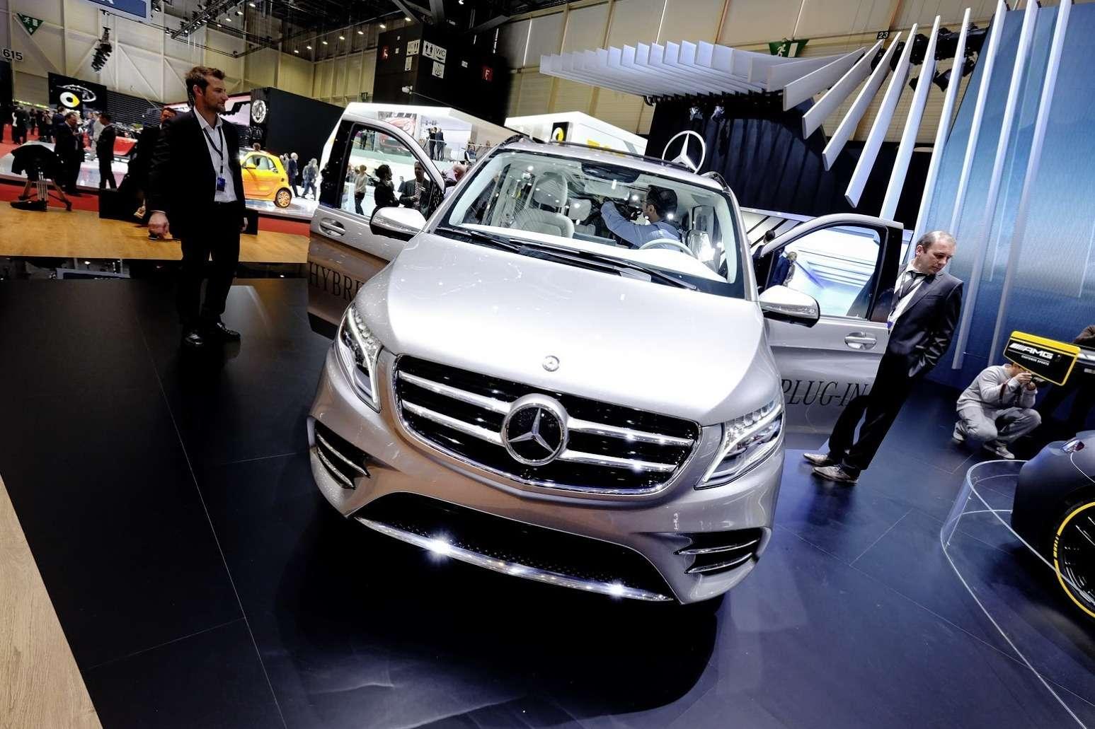 Mercedes-V-Class-Vision-3