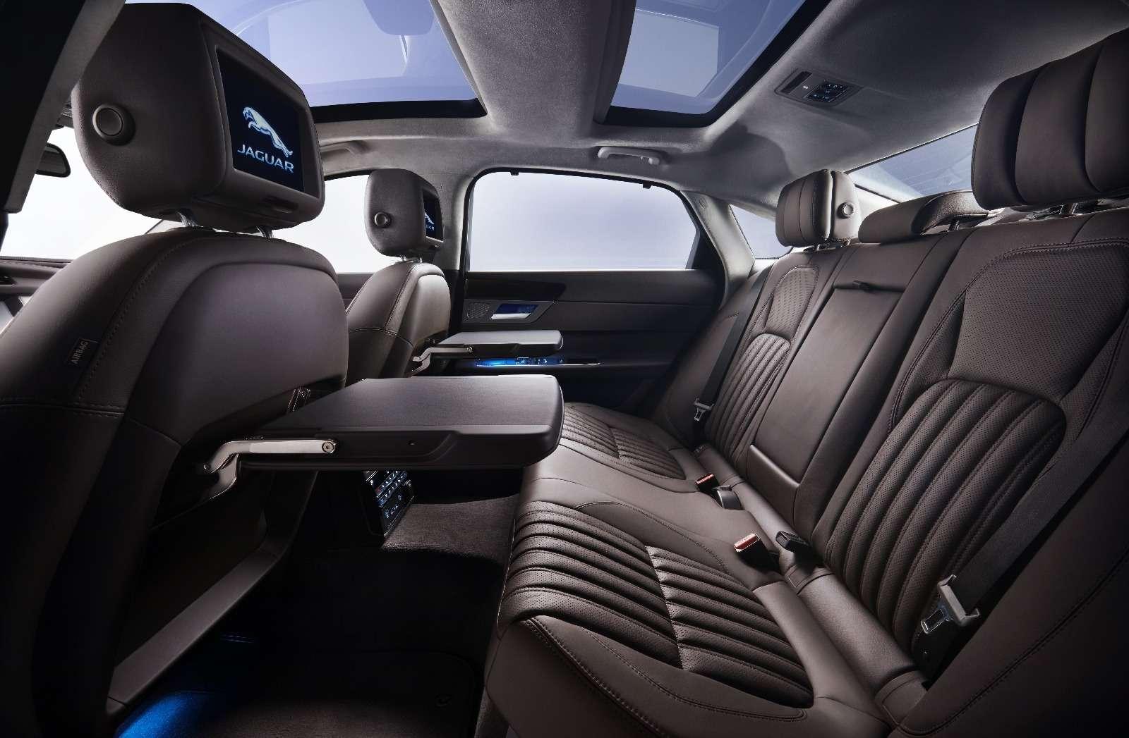 Jaguar XFL— мимикрирующий аристократ— фото 580545