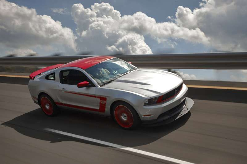 Покупатели Ford Mustang Boss получат второй ключ длягонок