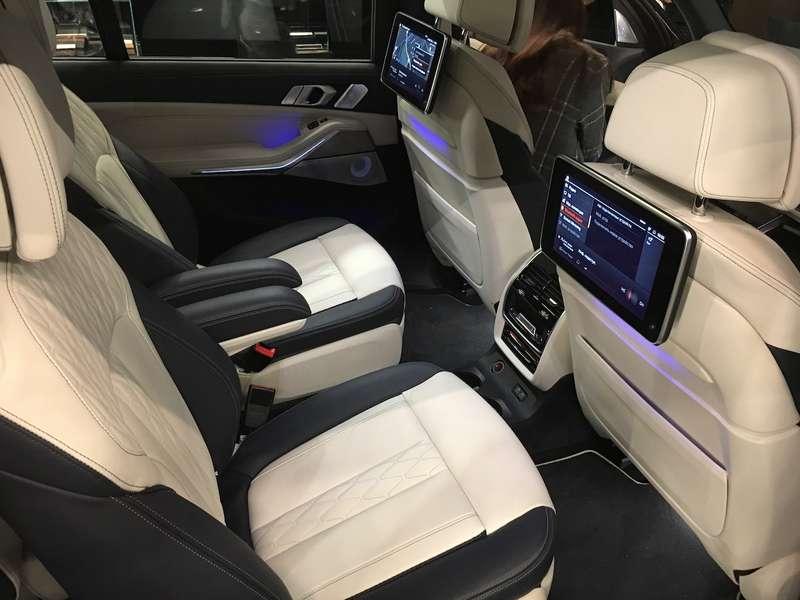 Новейший BMW X7засветился вМоскве