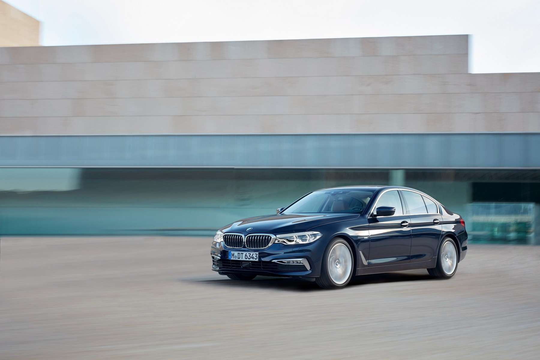 Головоломка по-баварски: BMW представила новый седан 5-й серии— фото 648256