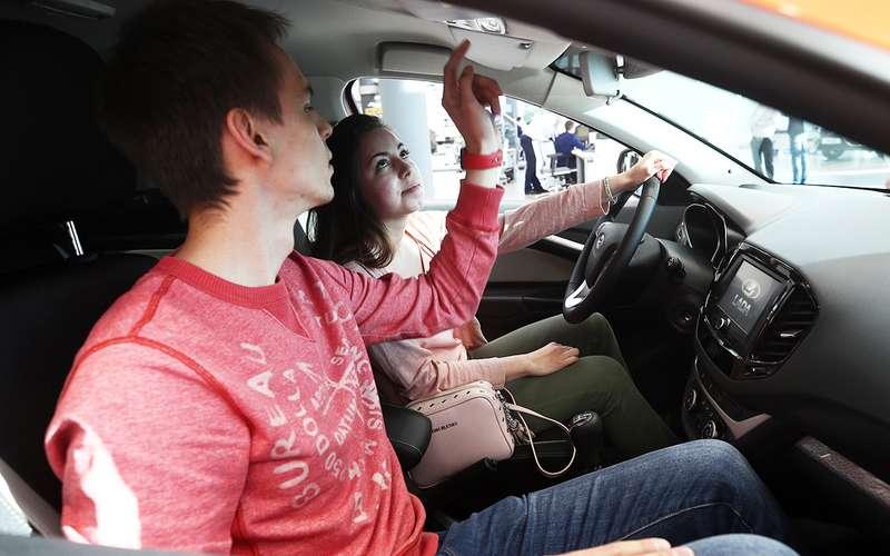 Стало понятно, как россияне выбирают автомобили