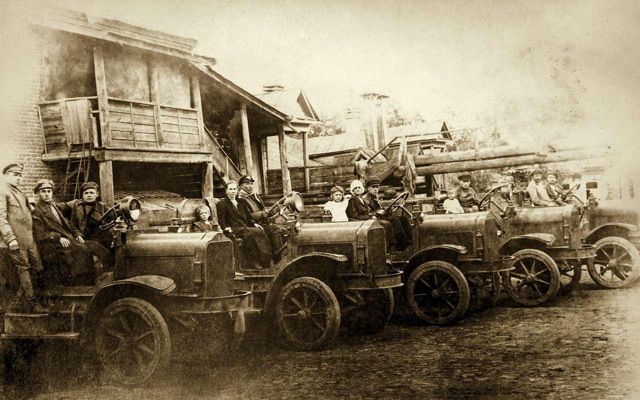 Первый советский частный автовладелец? Никогда не угадаете, кто это!— фото 810425