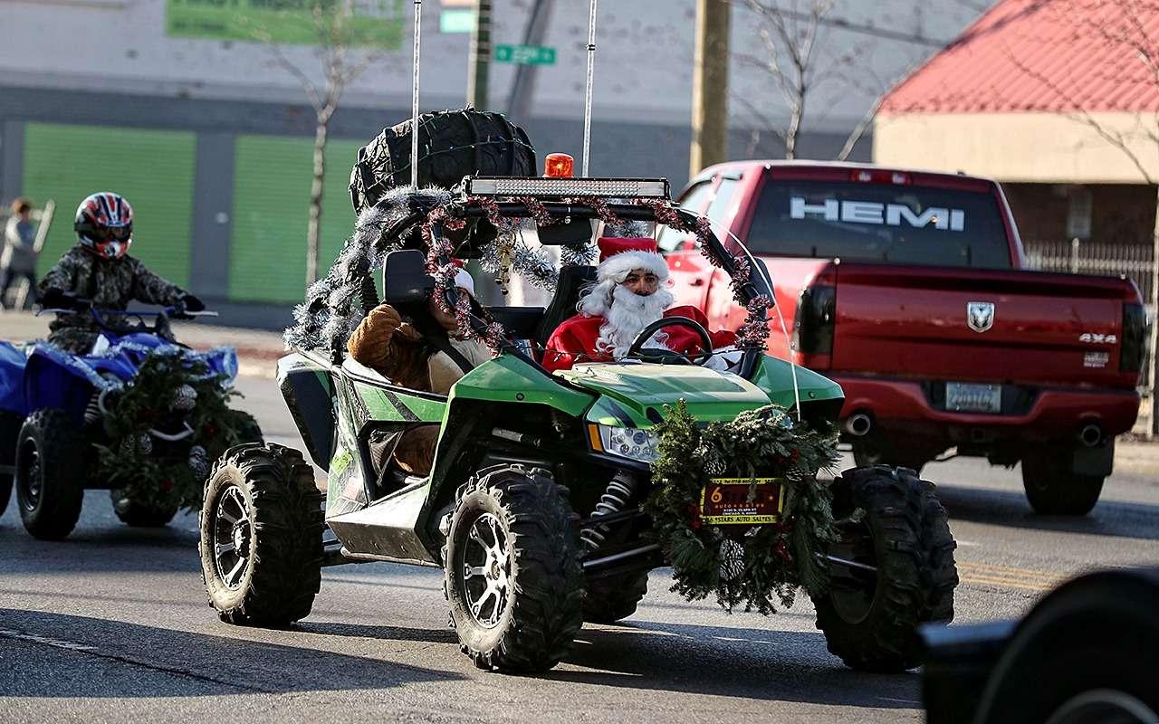 ДедМороз, Санта-Клаус иПер-Ноэль— весь ихгараж!— фото 826651
