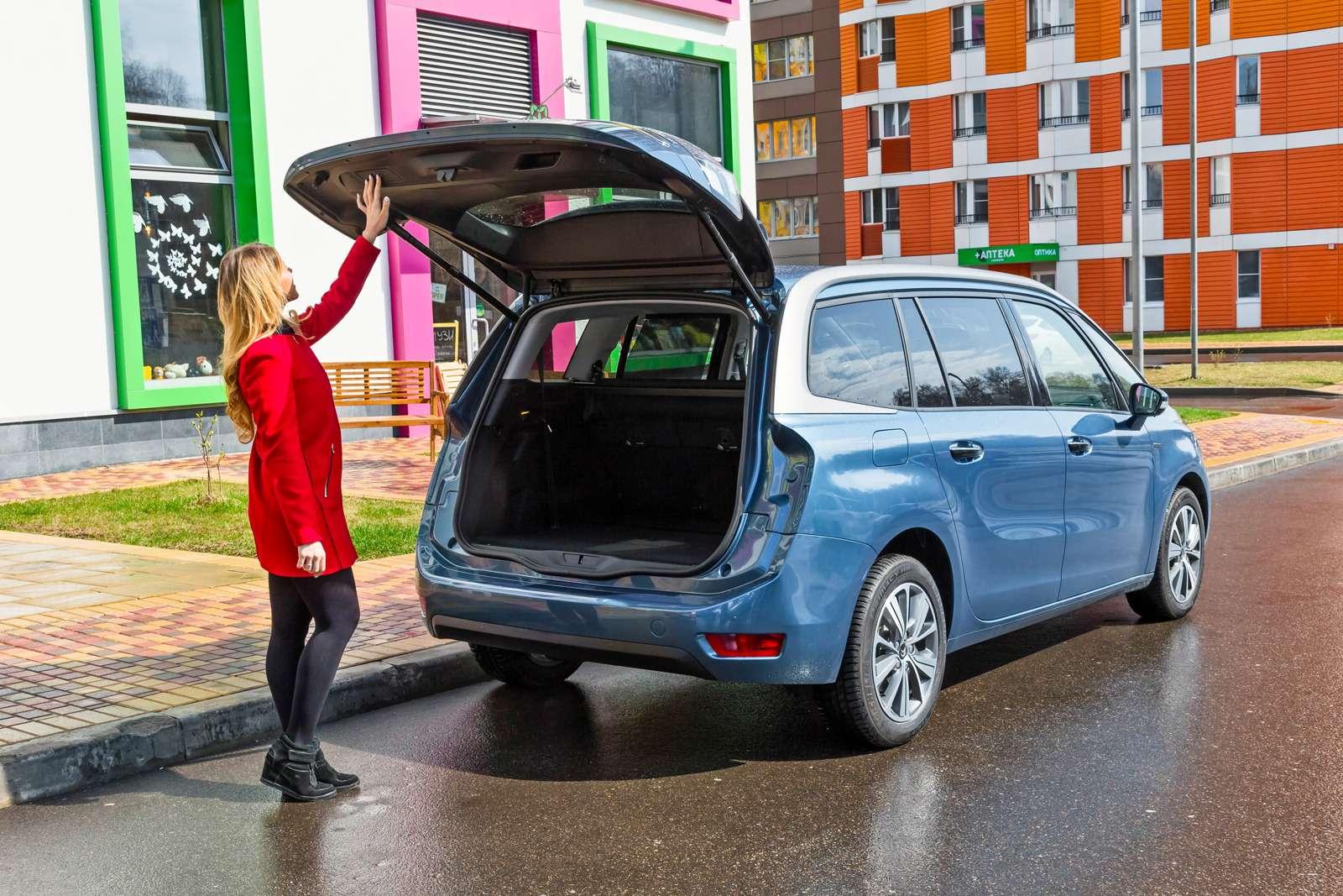 Изящество или практичность? Citroen Grand C4Picasso против VWCaddy Maxi— фото 599141