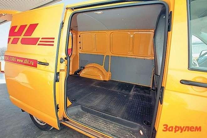 Роликовый механизм сдвижной двери фургона довольно долговечен