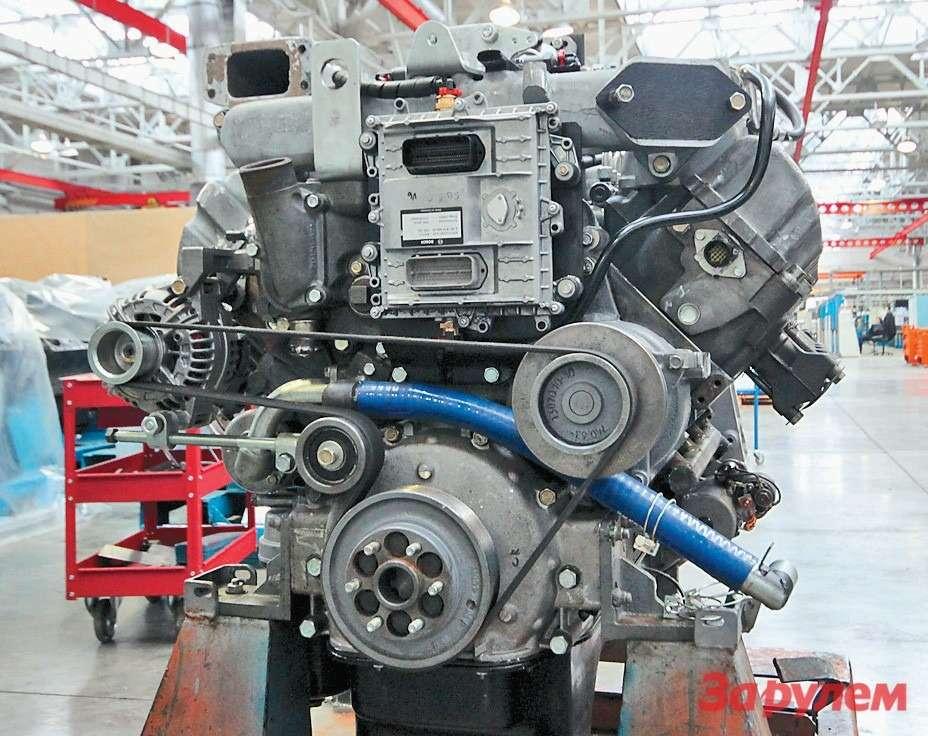 Новый V-образный мотор: рабочий объем около 13литров,  мощность 550л. с., крутящий момент более 2000Н.м