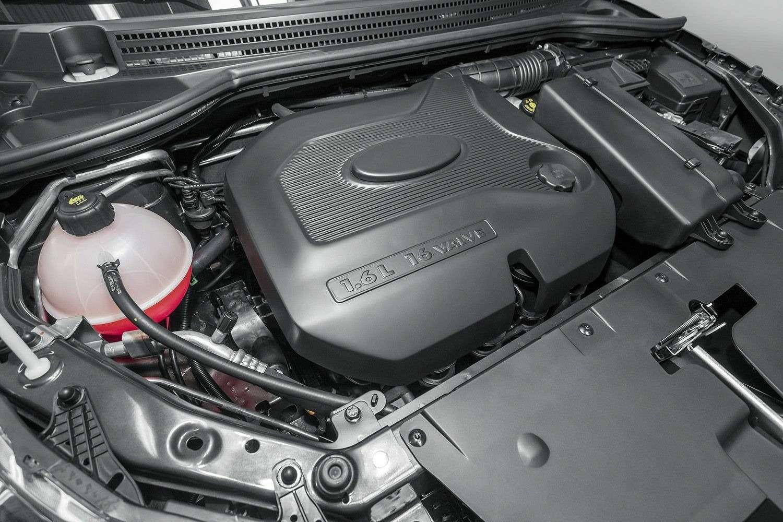 Президент АВТОВАЗа назвал диапазон цен стартовой версии Lada Vesta— фото 391893