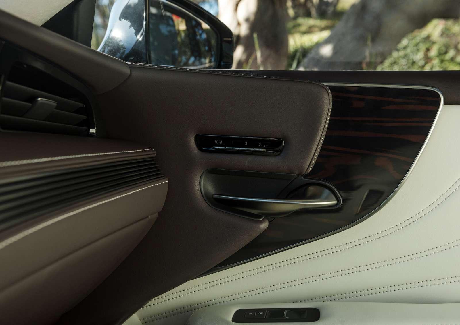 Проглотить S-класс: вДетройте дебютировал новый Lexus LS— фото 690277