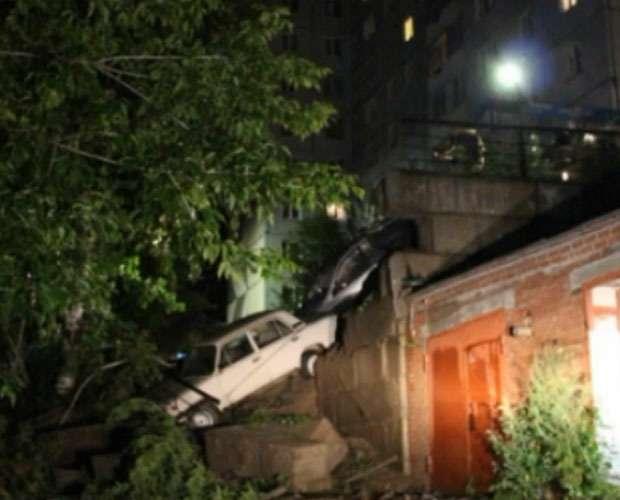 Обрущение стены наавтопарковку вКрасноярске