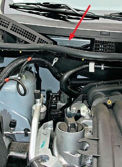Щиток приборов прост, это облегчает восприятие информации. Плохо, что нет указателя температуры двигателя— только лампа перегрева.