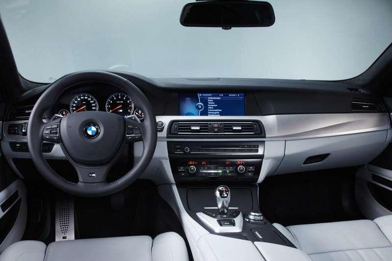 BMW-M5_2012_1600x1200_wallpaper_80