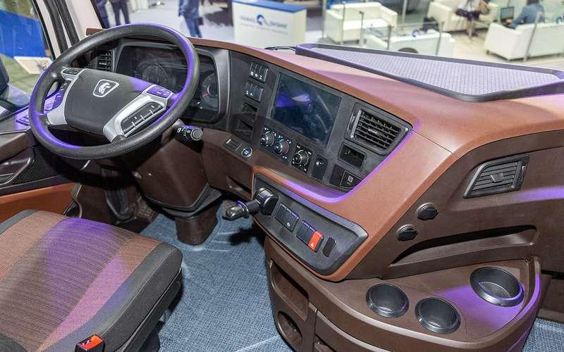 Новая кабина, новый двигатель — совсем другой КАМАЗ уже в продаже