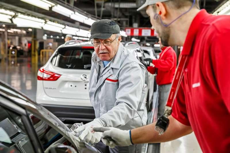Один день вроли сборщика: крутим гайки назаводе Nissan