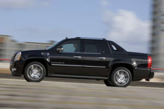 Cadillac Escalade EXT side view