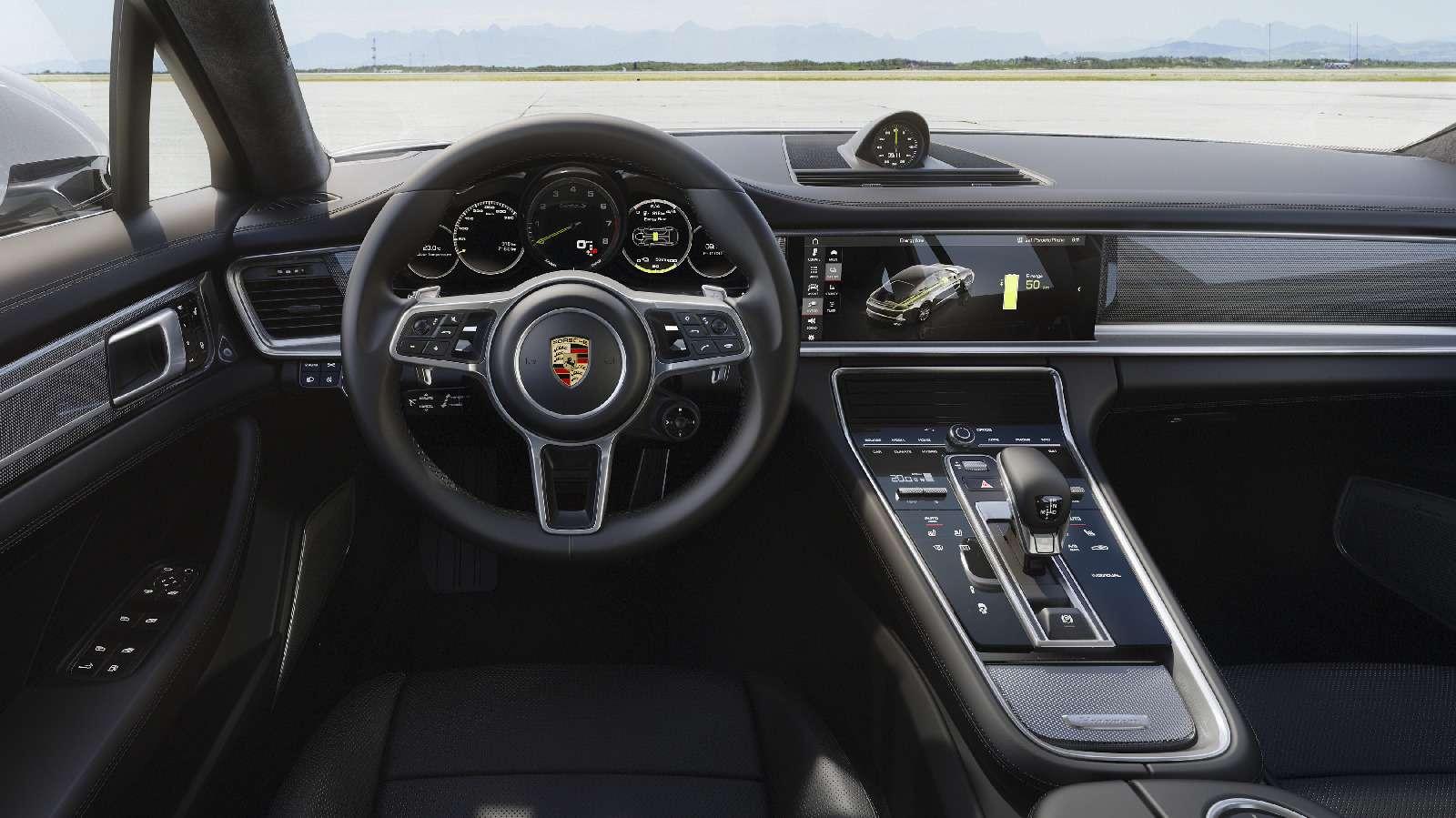Хочешь «пульнуть»— ищи розетку: флагманский Porsche стал гибридом— фото 713303