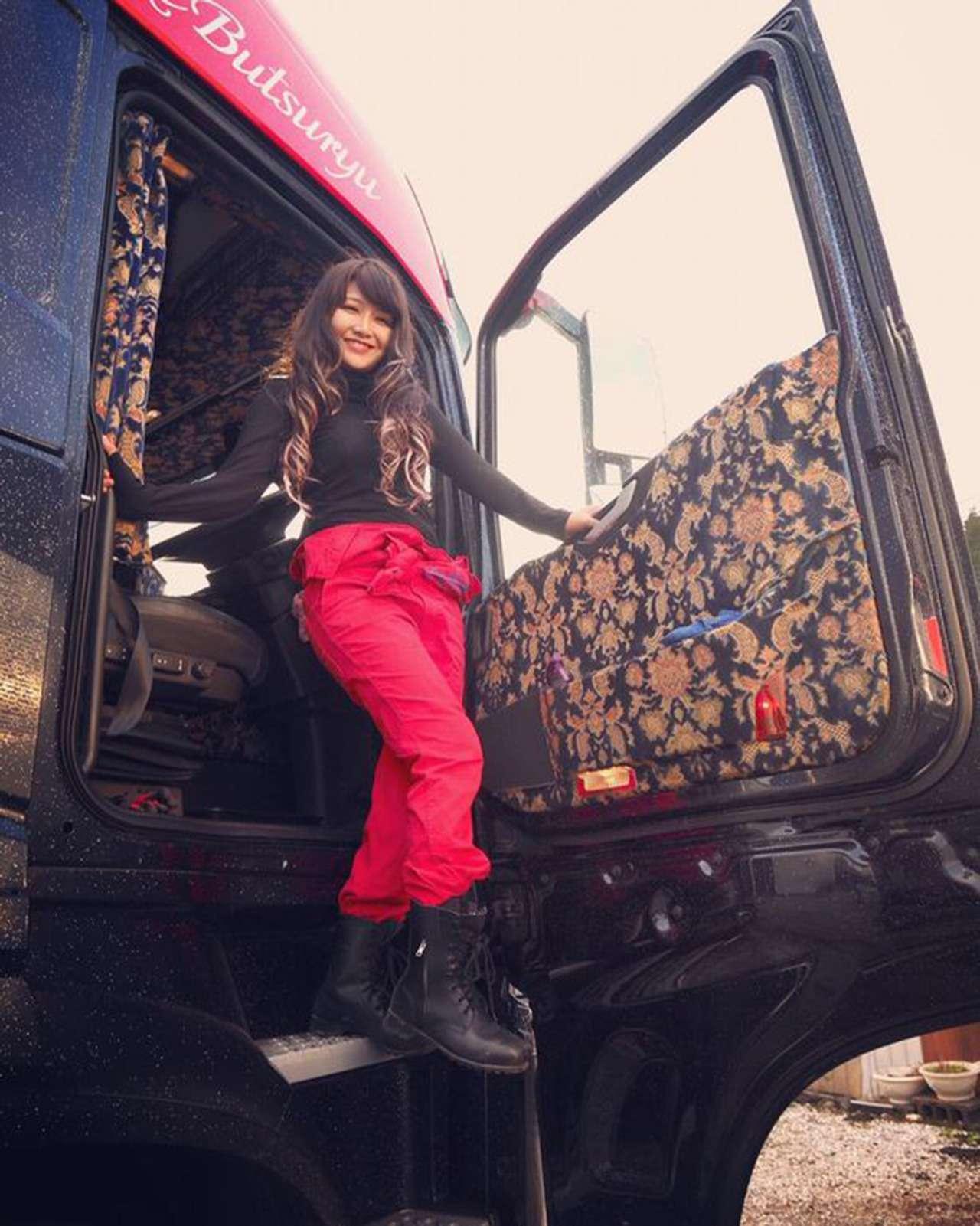 Длясамого красивого водителя грузовика нет одежды нужного размера!— фото 942670