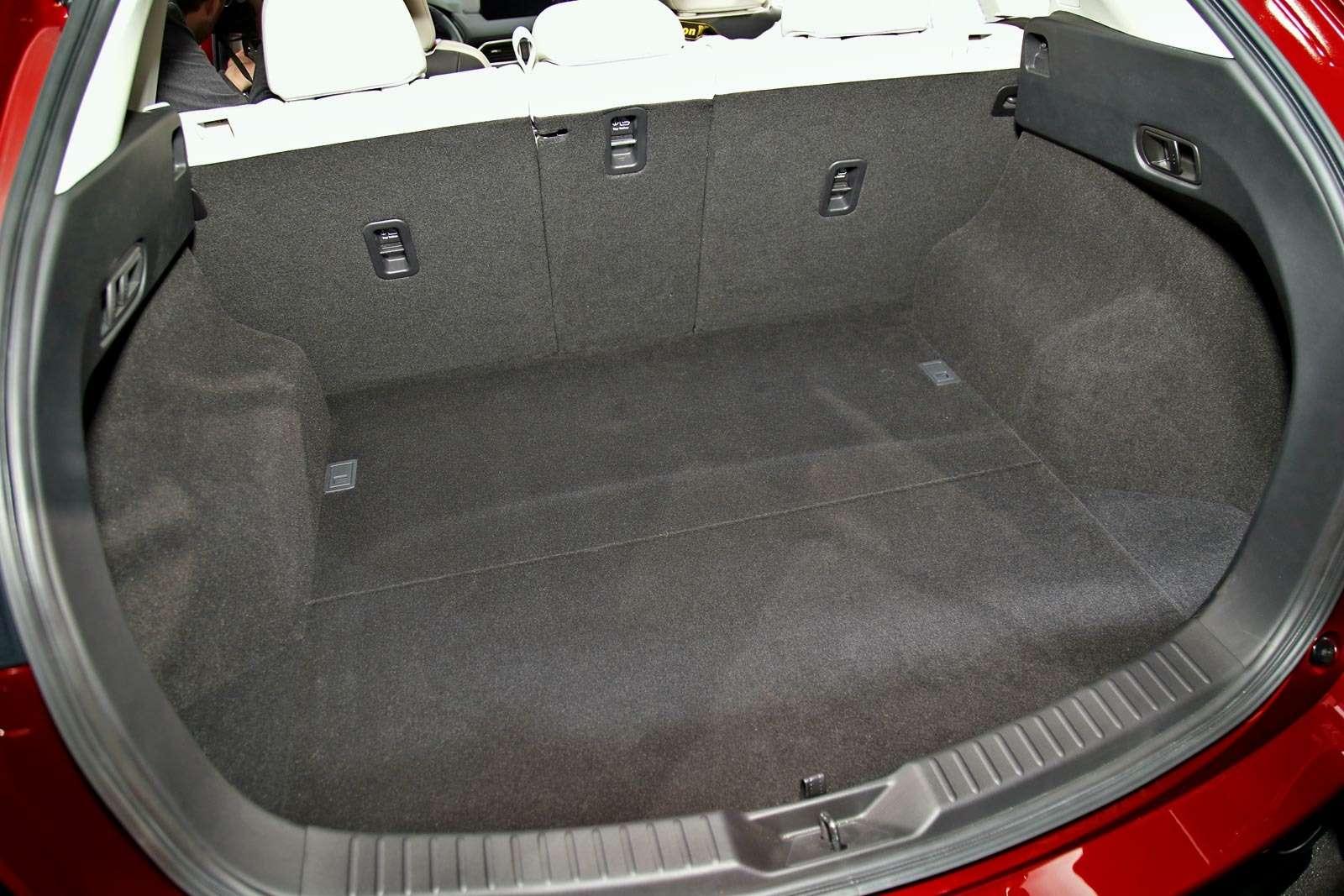Глубокий блеск: Mazda представила новый кроссовер CX-5— фото 664473