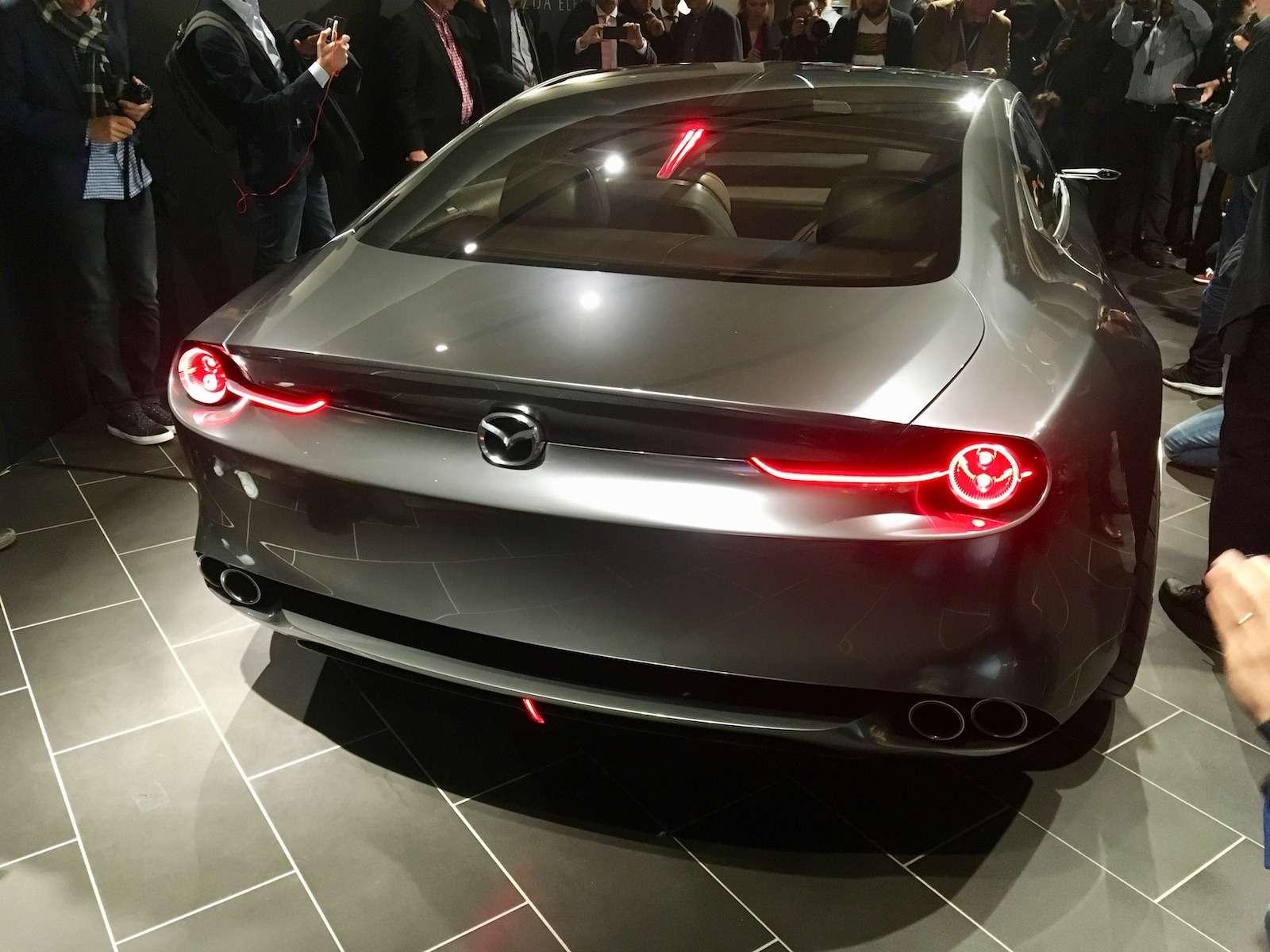 Больше света: Mazda представила обновленную дизайн-концепцию— фото 808881